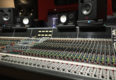 Mixing Console-1