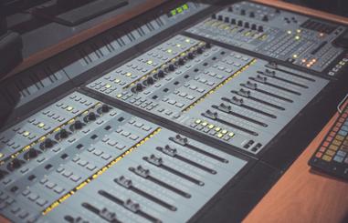 Pro studio music console