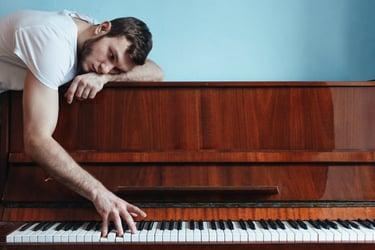 Self-Guiding Piano Lessons